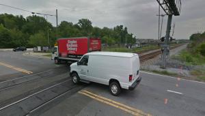 Metro track on Sunnyside avenue